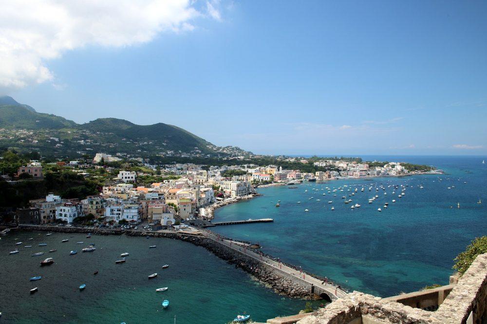 Spiagge Ischia: le migliori spiagge dell'isola per le vostre vacanze