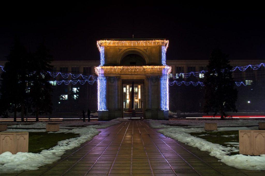 arco di trionfo chisinau moldavia