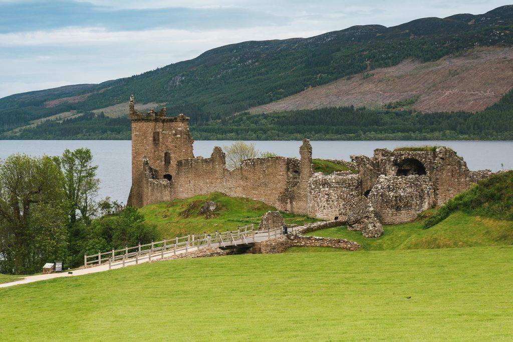 urquhart-castle scozia
