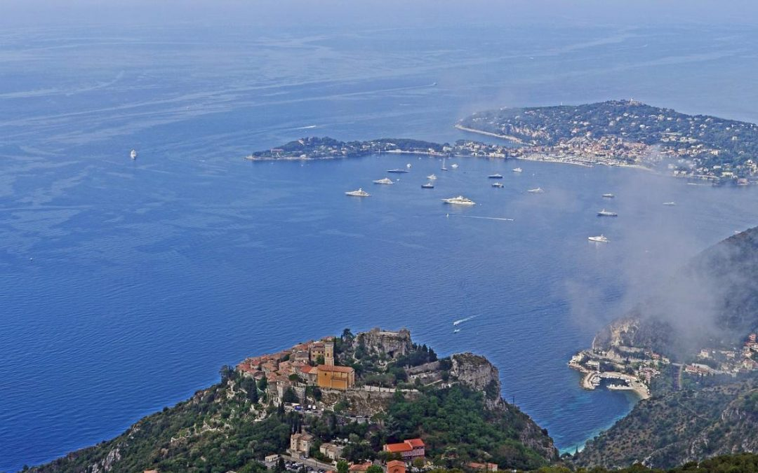 Costa Azzurra in barca a vela: un'emozione indimenticabile